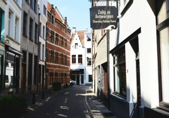 Boutique vacation rentals Antwerp, Leeuwenstraat 9 – for 4 to 10 people